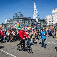 Челябинск. Площадь Революции. :: Надежда