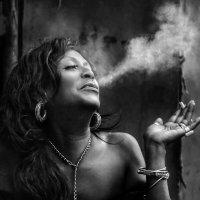 Женщина - прекрасный лицедей… :: Roman Mordashev