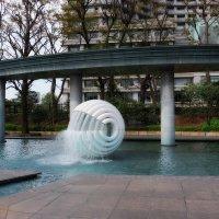 Токио Япония Парк фонтанов Вадакура :: Alm Lana