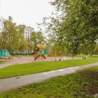 Детская площадка на Лёни Голикова (Санкт-Петербург) :: Роман Алексеев