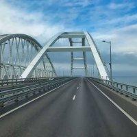 Крымский мост :: Евгений Кривошеев