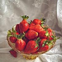 Любимая ягода :: Татьяна Зубрицкая