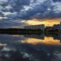 Уже теплый вечер на пруду :: Андрей Лукьянов
