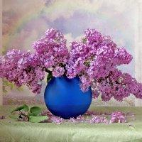 Сирень в синей вазе :: SaGa