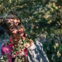 Когда яблони цветут.... :: Наталья Sh