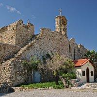 Старинная церковь :: Андрей K.