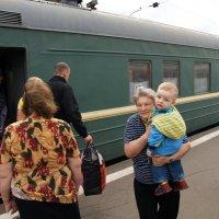 На вокзале :: Сергей Золотавин