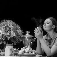 Утреннее кофе с пончиками (чб) :: Наталья Татьянина