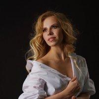 женский портрет. боковой свет :: Таня Турмалин