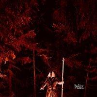 Монах в лесу. :: Zefir58 Verx