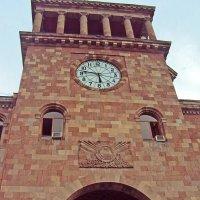 Здание правительства Армении :: Tata Wolf