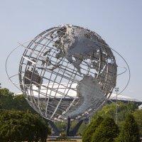 Макет земного шара в Нью-Йорке :: Andrey Naidenov