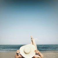 На пляже :: Александр Довгий