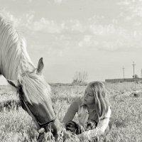 Выйду в поле с конем. Он и я- вдвоем. :: Надежда Парфенова