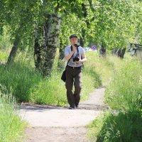 Фотограф Денис Логиновский на прогулке с экшн- камерой в пос. Лесной :: Александр Широнин