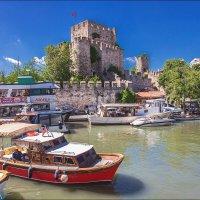 Речка Гёксу и крепость Анадолу Хисары в Стамбуле :: Ирина Лепнёва