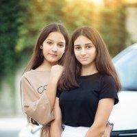 Вы лучшие подруги или просто подруги? - Мы просто лучшие! :: Лилия .