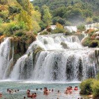 Водопад в парке Крка :: vladimir