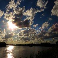 Небо над рекой :: Андрей Снегерёв
