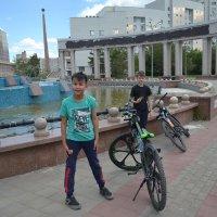 Летние забавы...велосипед... :: Георгиевич
