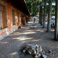 Тихий дворик шумного ресторана :: MarinaKiseleva