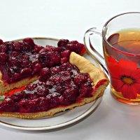 Мой пирожок с вишней... :: Андрей Заломленков
