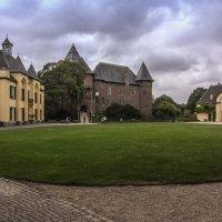 Внутренний двор замка Линн :: Alexander Andronik