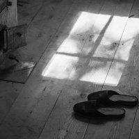 Печка, тапки и окно :: Микто (Mikto) Михаил Носков