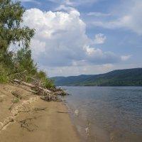 Волга и остров Середыш... После летней грозы... Самарская область... :: Наталья Меркулова