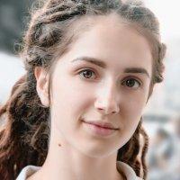 Просто портретик девушки) :: Виктор