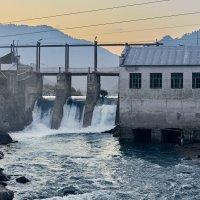 Чемальская ГЭС. :: Никита Арзамасов