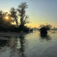Осеннее солнце красками не играет. :: Volodymyr Shapoval VIS t