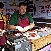 На фестивале уличной еды. :: Валерия Комова