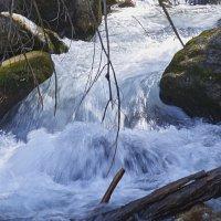 Бурный поток реки Уллу-Муруджу. :: Виталий Бобров
