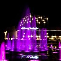 Светомузыкальные фонтаны на советской площади :: Андрей Киселев
