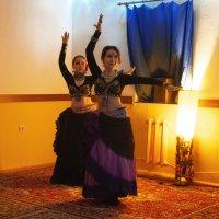 Восточный танец (Чайный клуб. Уфа) :: Константин Вавшко