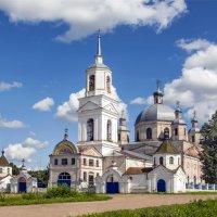 Церковь в селе Русские Краи :: Елена Чудиновских