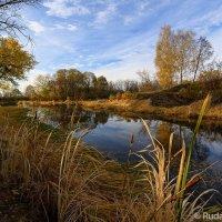 Осень на старом шлюзе :: Сергей