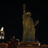 Статуя Свободы в Лас-Вегасе :: Владимир Смольников