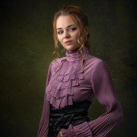 looking condescending is her style :: Сергей Анисимов