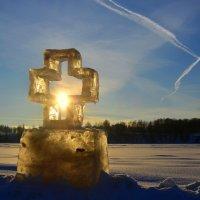 Солнечный крест и Крестное знамение :: Татьяна Каневская