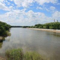 Река Урал, г. Оренбург :: Александр