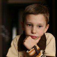 портрет ребенка за игрой в шахматы :: Наталья Преснякова