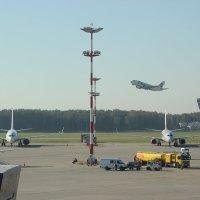 будни аэропорта :: Олег Овчинников
