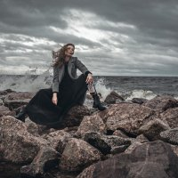 девушка на берегу :: Яна Пикулик