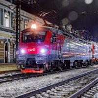 ЭП20-069 с поездом 8954 отправляется со ст. Иркутск-Пассажирский до ст. Слюдянка! :: Алексей Белик