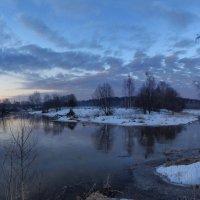 Рассвет на реке :: Денис Бочкарёв