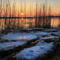 Март  закат :: Cергей Кочнев