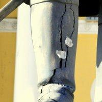 А сапоги у императора рваные  (Памятник Павлу I в Павловске) :: Сергей