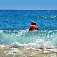 Первое свидание с тёплым морем... :: Sergey Gordoff